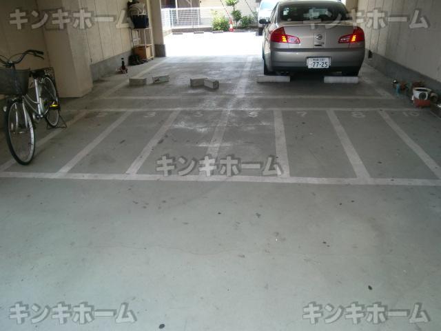 駐車場・駐輪場