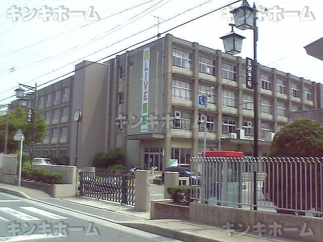 堅田中学校 約400メートル